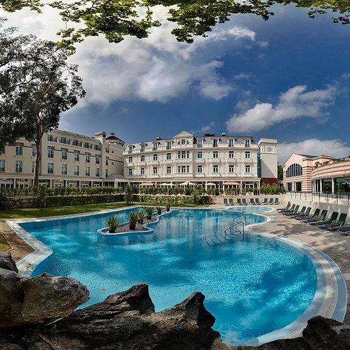 2 noches en Hotel Balneario de Solares**** con visita privada a Comillas