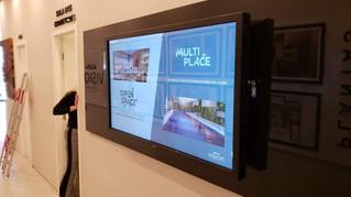 Tecnologia interativa touch screen oferece uma ótima experiência para o cliente