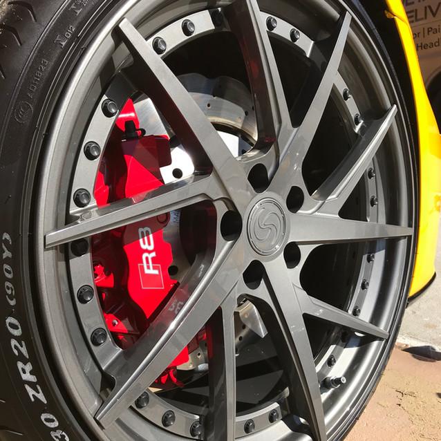 R8 Wheel Clean