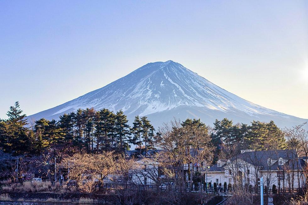 Golden-hour-view-of-Mt-Fuji-89548-pixahi