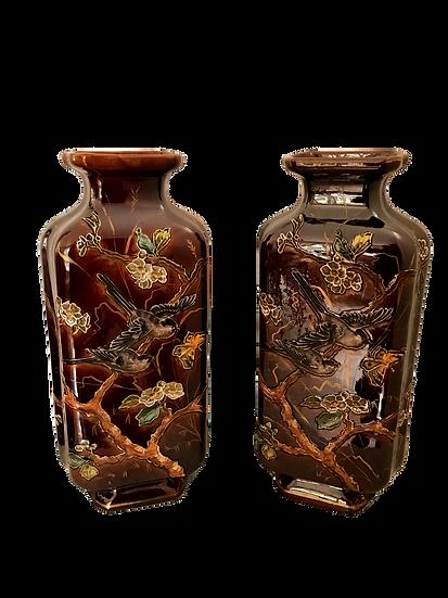 Paire de vases anciens dans le goût de Théodore Deck