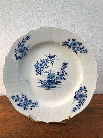 Tournai - Assiette Porcelaine Tendre du XVIII ème Siècle
