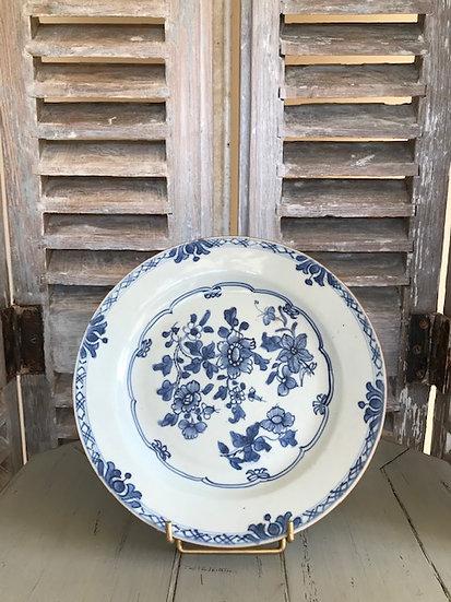 Assiette ancienne en porcelaine dite Compagnie des Indes époque fin XVIII ème