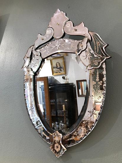 Ancien miroir vénitien vintage milieu du XX ème en forme de blason