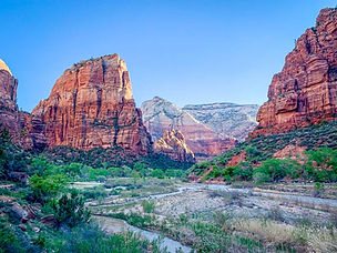 Hiking-Angels-Landing-in-Zion-National-P