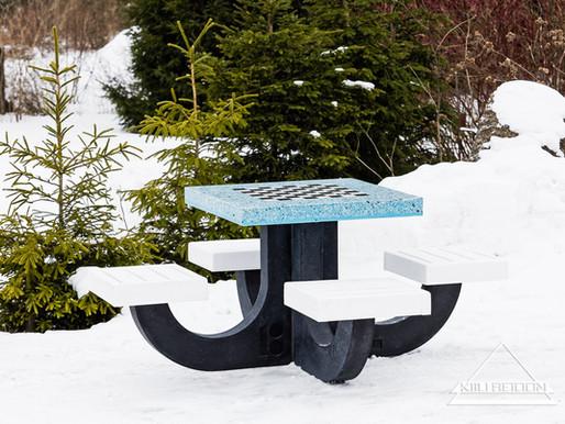 """Sinimustvalge malelaud Keila SOS Lastekülasse: EV100 kingitus """"meie kõigi lastele"""""""