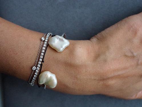 Серебряный браслет с барочными жемчужинами
