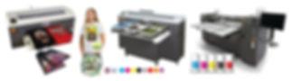Három DTG pólónyomtató gép színes mintás nyomtatott pólókkal és festék színskálával