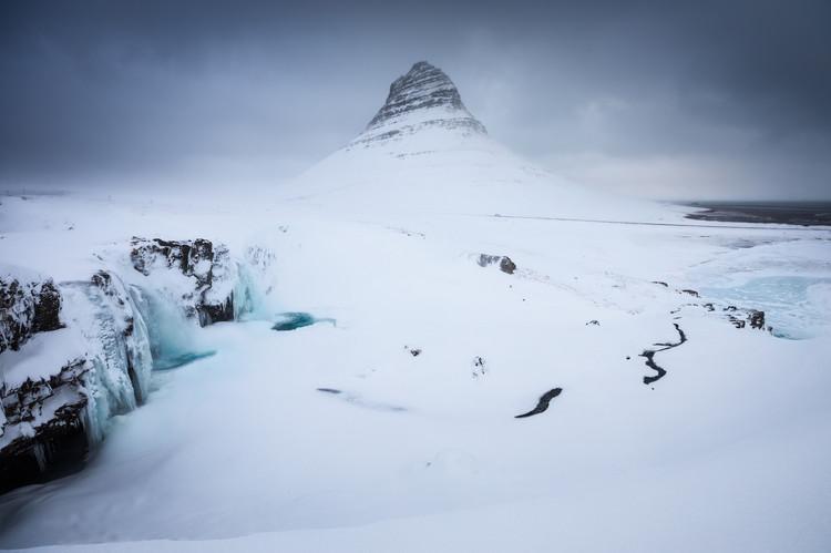 kirkjufell-snow-copy.jpg