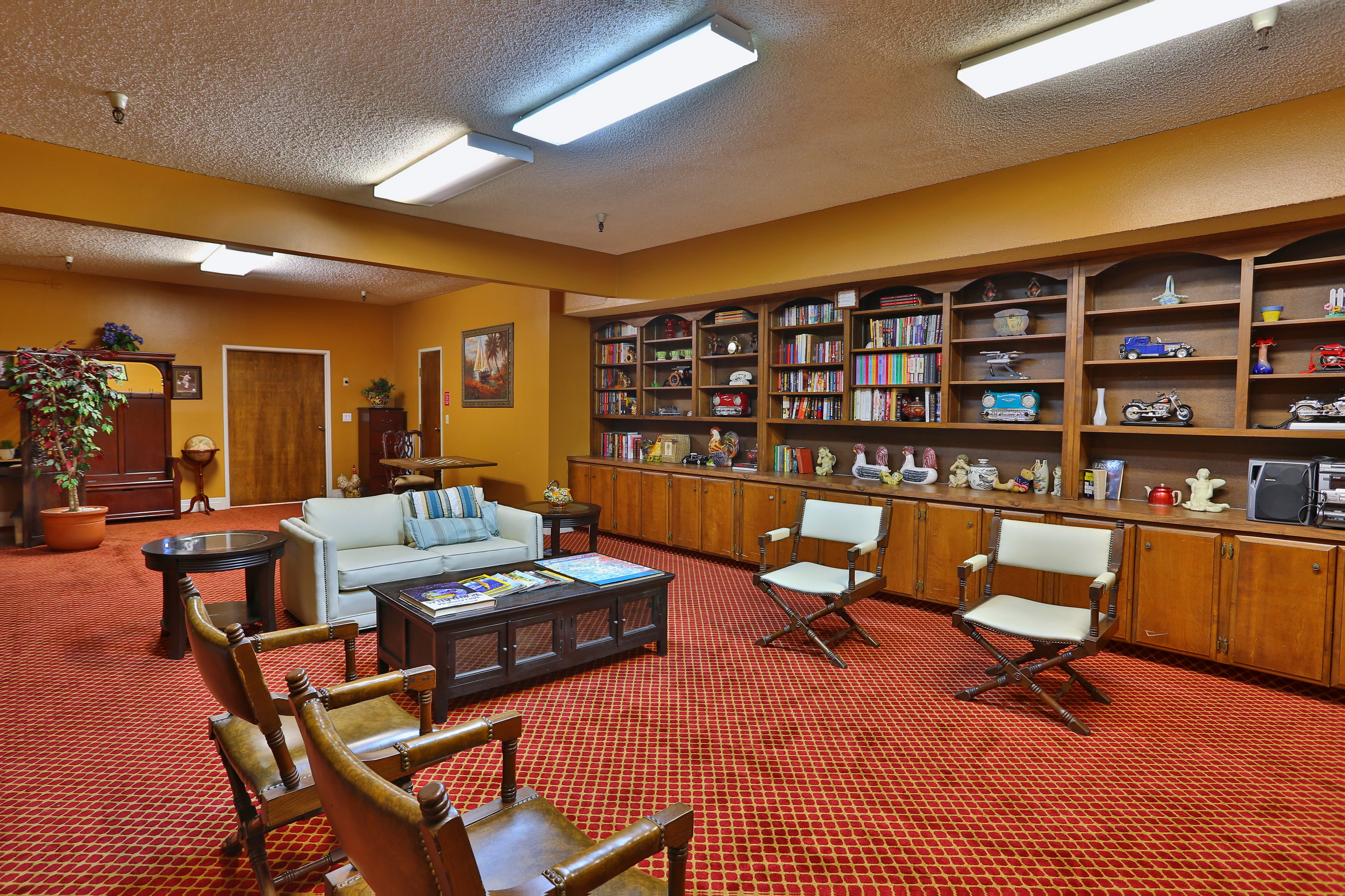 Villa Redondo Library