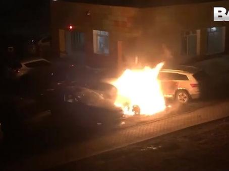 Сожгли мерседес журналиста Егорова