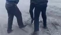 Полицейский Новосибирска выстрелил в голову мужчине во время задержания