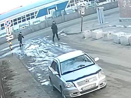 В Барнауле полицейские спасли девушку бежавшую от насильников