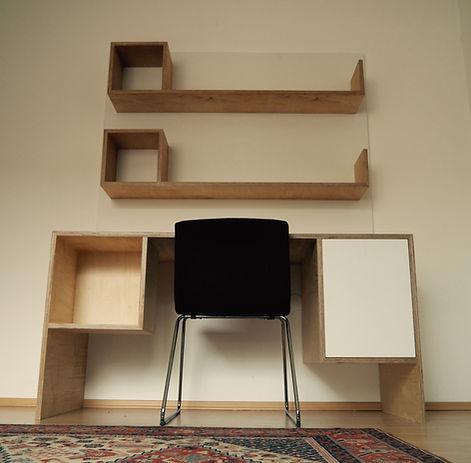 Birch desk with shelves/ Birke Arbeitsti