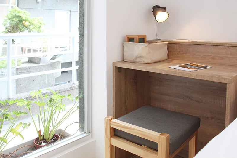 Comfort Single Room Ensuite_01.jpg