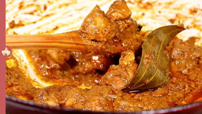 Teej special - Chicken Ghee | Chicken Makhani | Chicken Curry