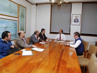 Alcalde se reúne con Ministro de Obras Públicas para solicitar recursos e informes del proyecto &quo