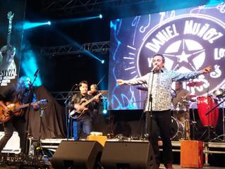 Daniel Muñoz y Nano Stern hicieron bailar y cantar al público en la primera noche del Alerce Milenar