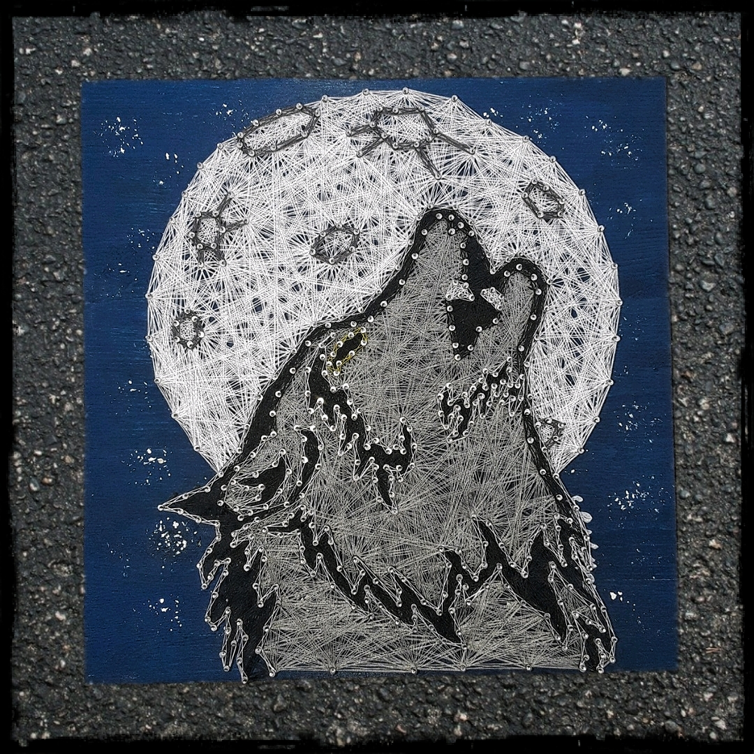 12x12 Howling Wolf