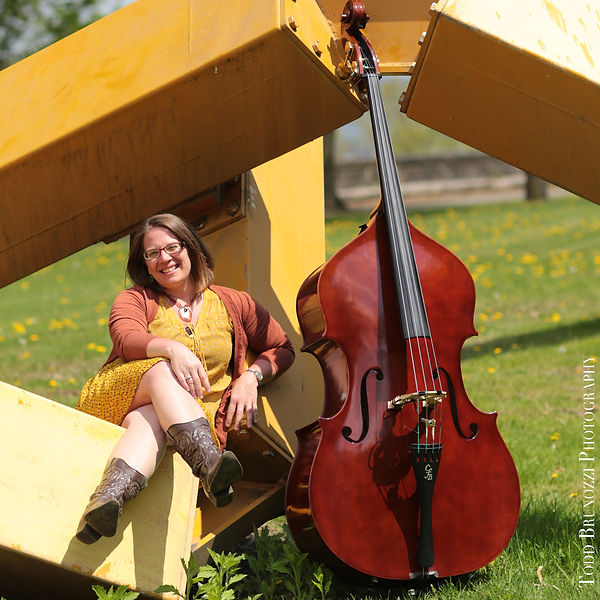 Trish Imbrogo Bass | IBMA Leadership Bluegrass | Credit Todd Brunozzi