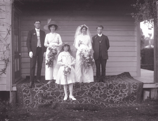 Wedding group, Golden Bay