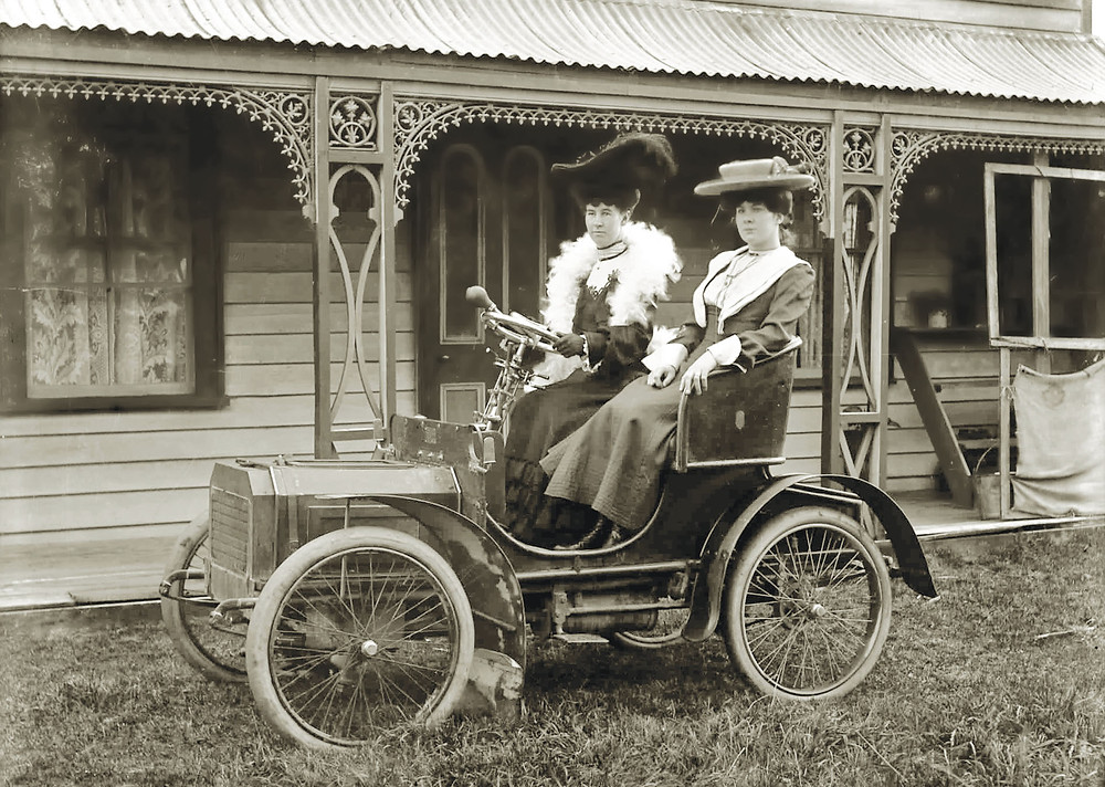 Motoring-Women-About-1908- Vintage- New-Zealand