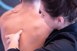 mal de dos et douleur aux omoplates