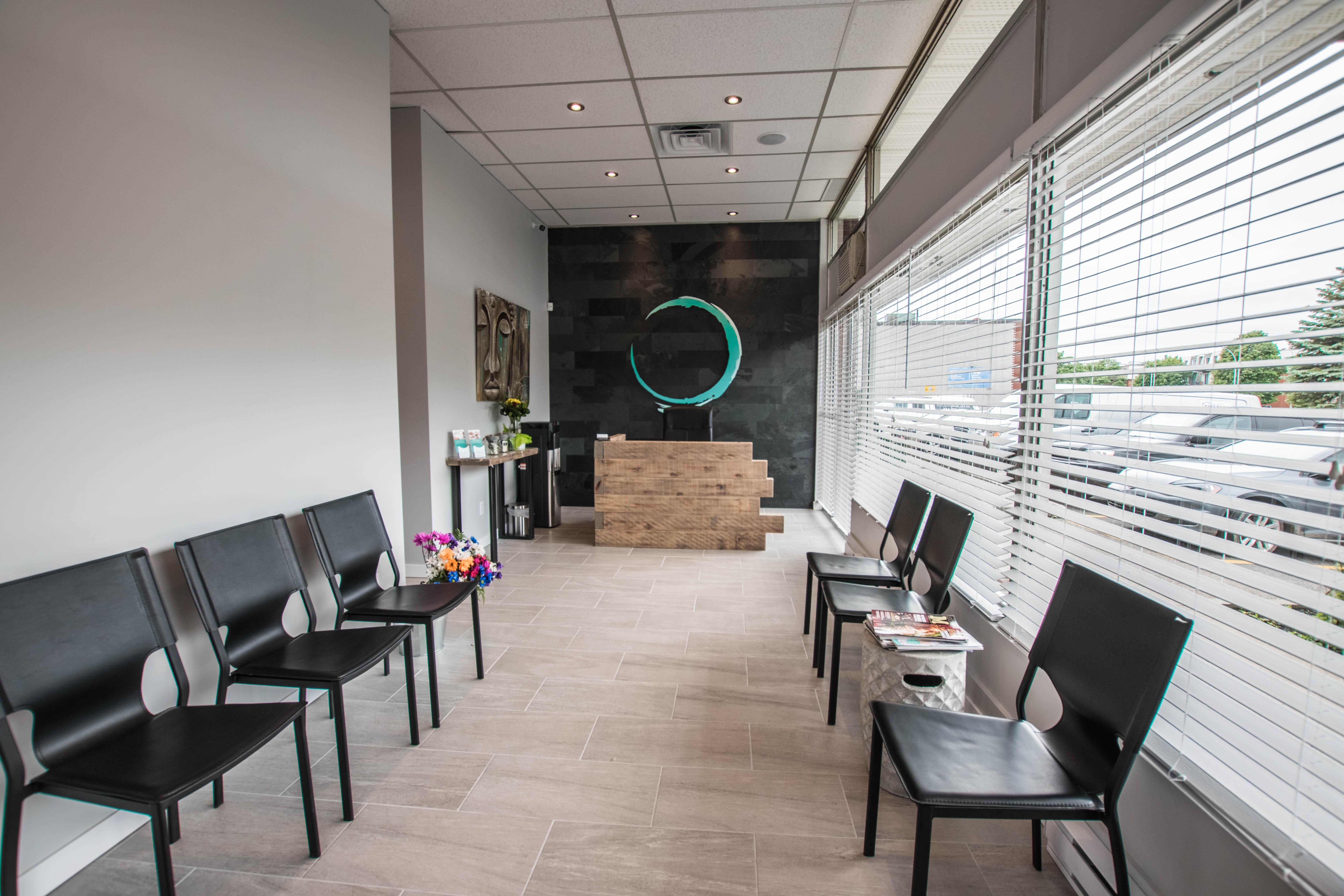 Salle d'attente de la Clinique O ostéopathie