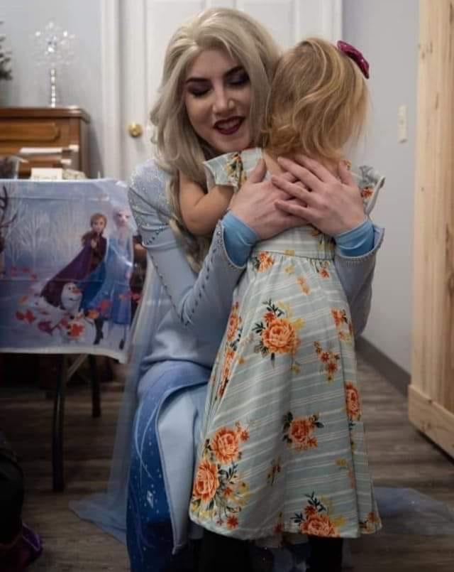 Hug with Elsa