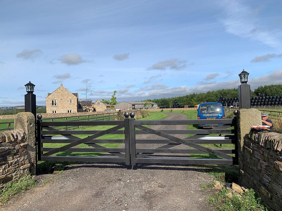 gate picture 3.jpg