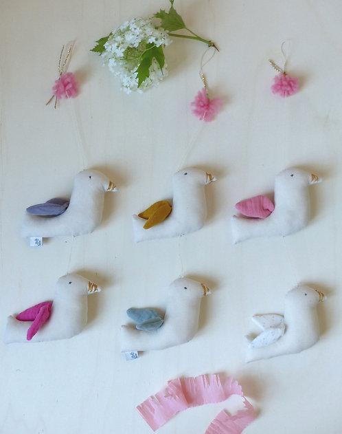 Paillatte Bird garland
