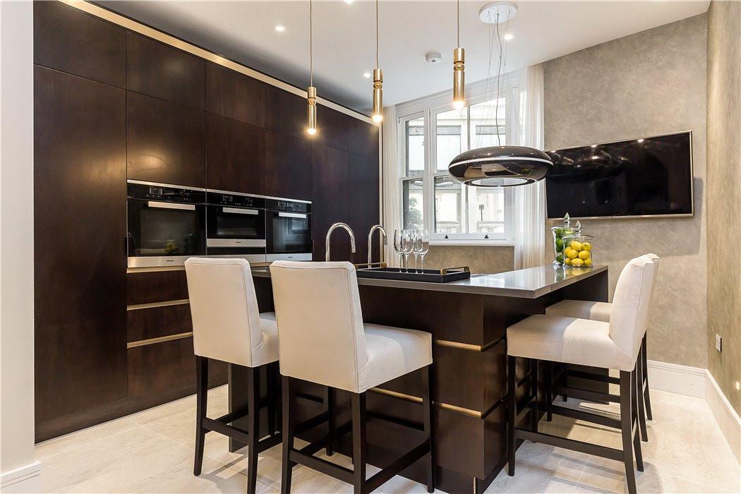 Warwick House Bespoke kitchen.jpg