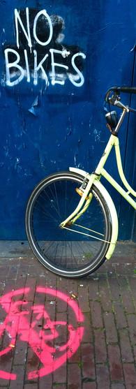 no bikes bike parked amsterdam centrum iphoneonly