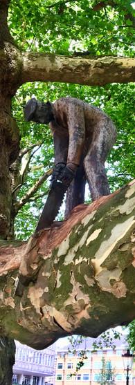 little sawyer leidsebosje amsterdam leidseplein sculpture in tree unknown sculptor iphoneonly