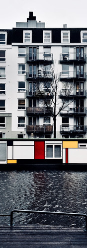 houseboat amsterdam canal de stijl mondriaan red yellow blue white ionamsterdam iphoneonly