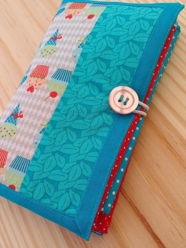 Pode ser dobrada e mantida na bolsa ou mochila para estar à mão quando precisar.