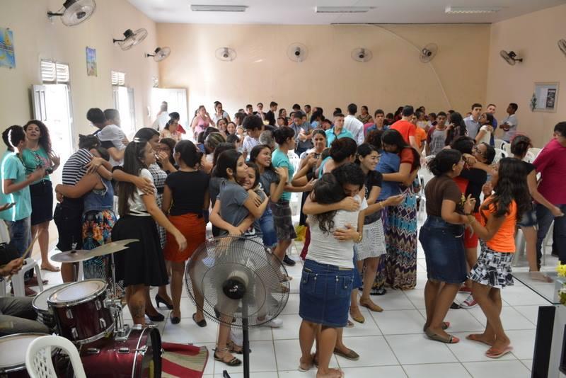Jovens na presença do Senhor