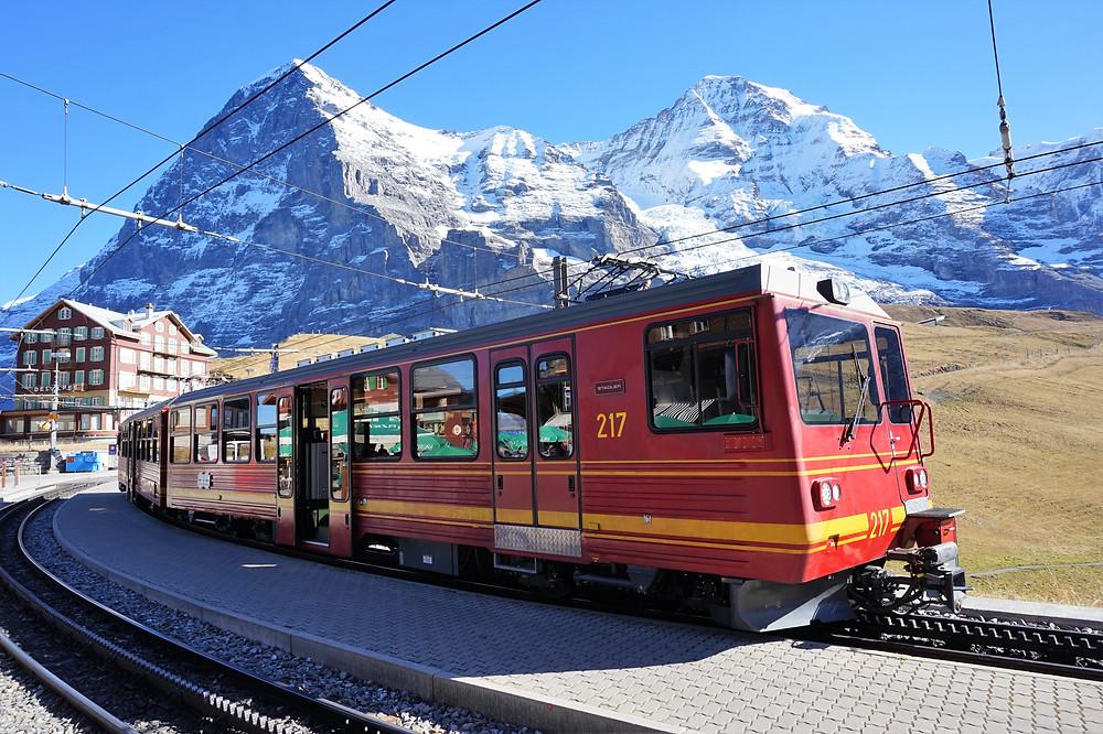 tren hacia jungfrau