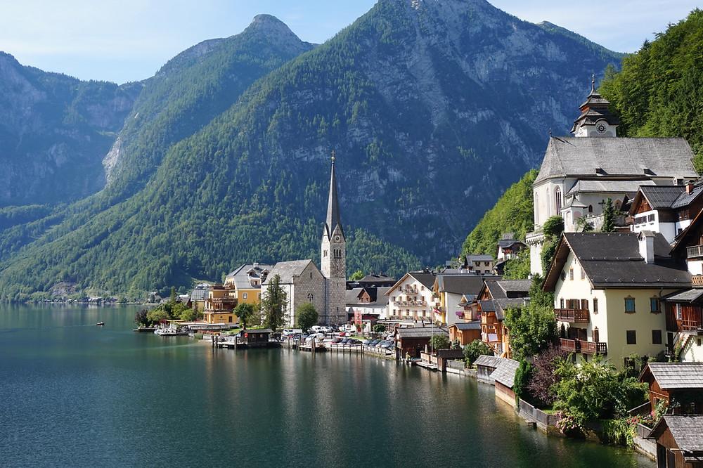 visitar el pueblo mas bonito de austria