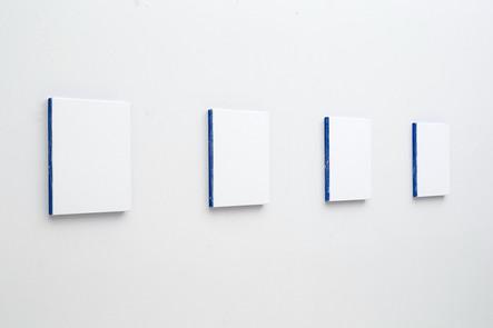 Sans-titre, 2013, acrylique sur toile,  4 éléments de 30,5 x 25,5 cm