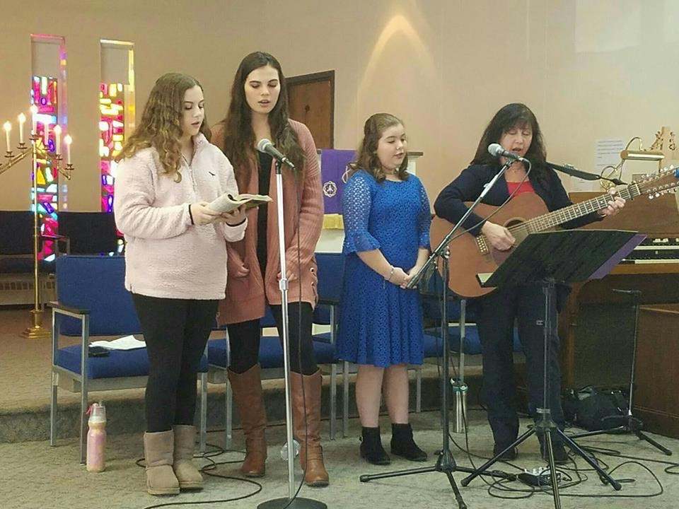 Victoria, Mary,Lauren,Denise at Arbutus.