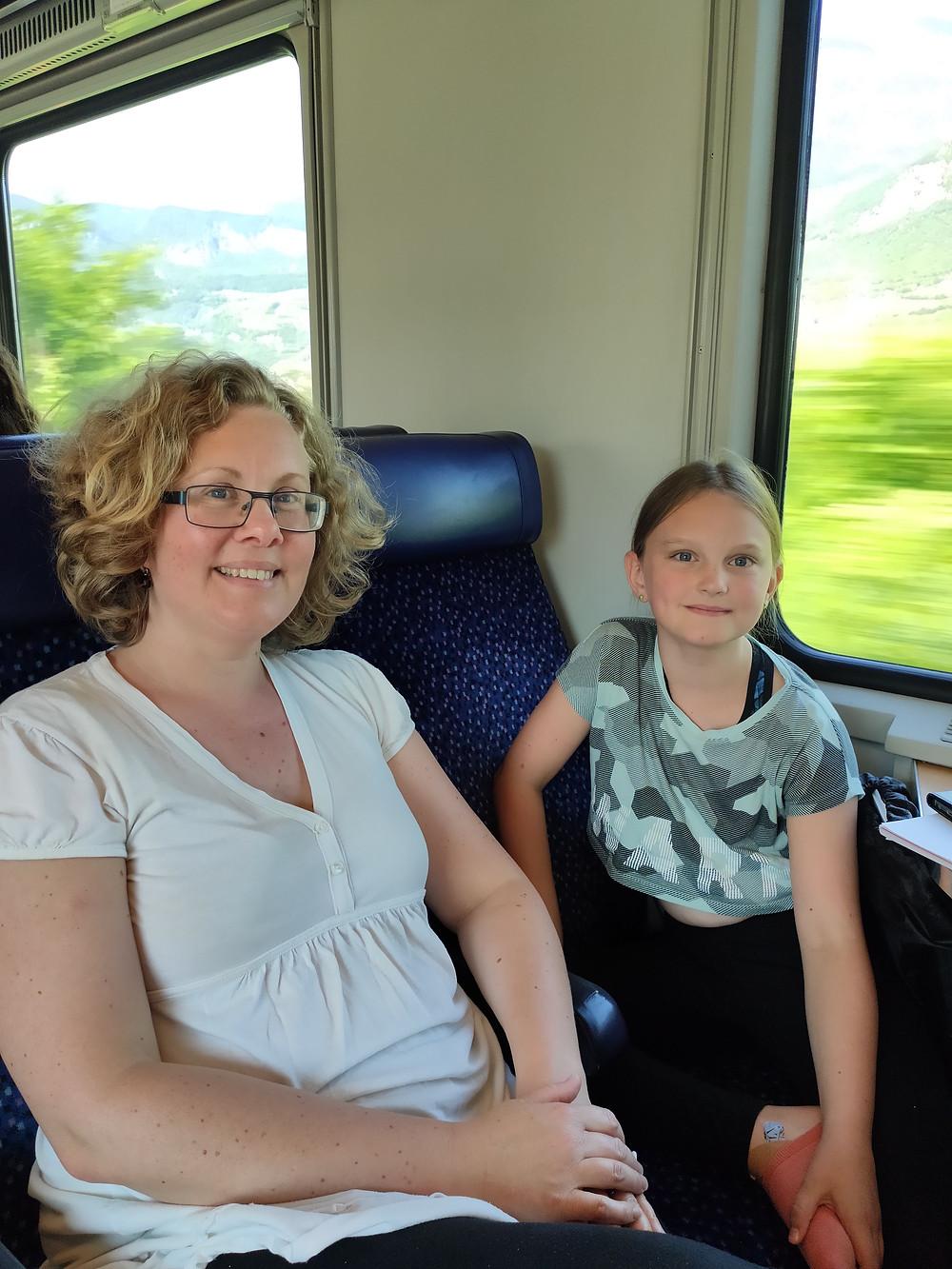 Emilie och Lyra på #tågsemester till Torbole, Garda