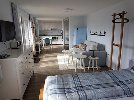 Wohnzimmer Hirsch.jpg