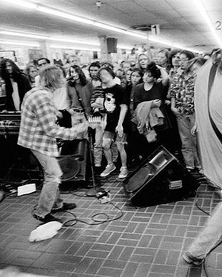 Nirvana Perform.jpg