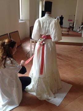 """Mostra """"C'è moda e moda...dall'abito aristocratico all'abito """"uniforme"""", Museo Civico d'Arte di Modena, 19 maggio-14 luglio 2013"""