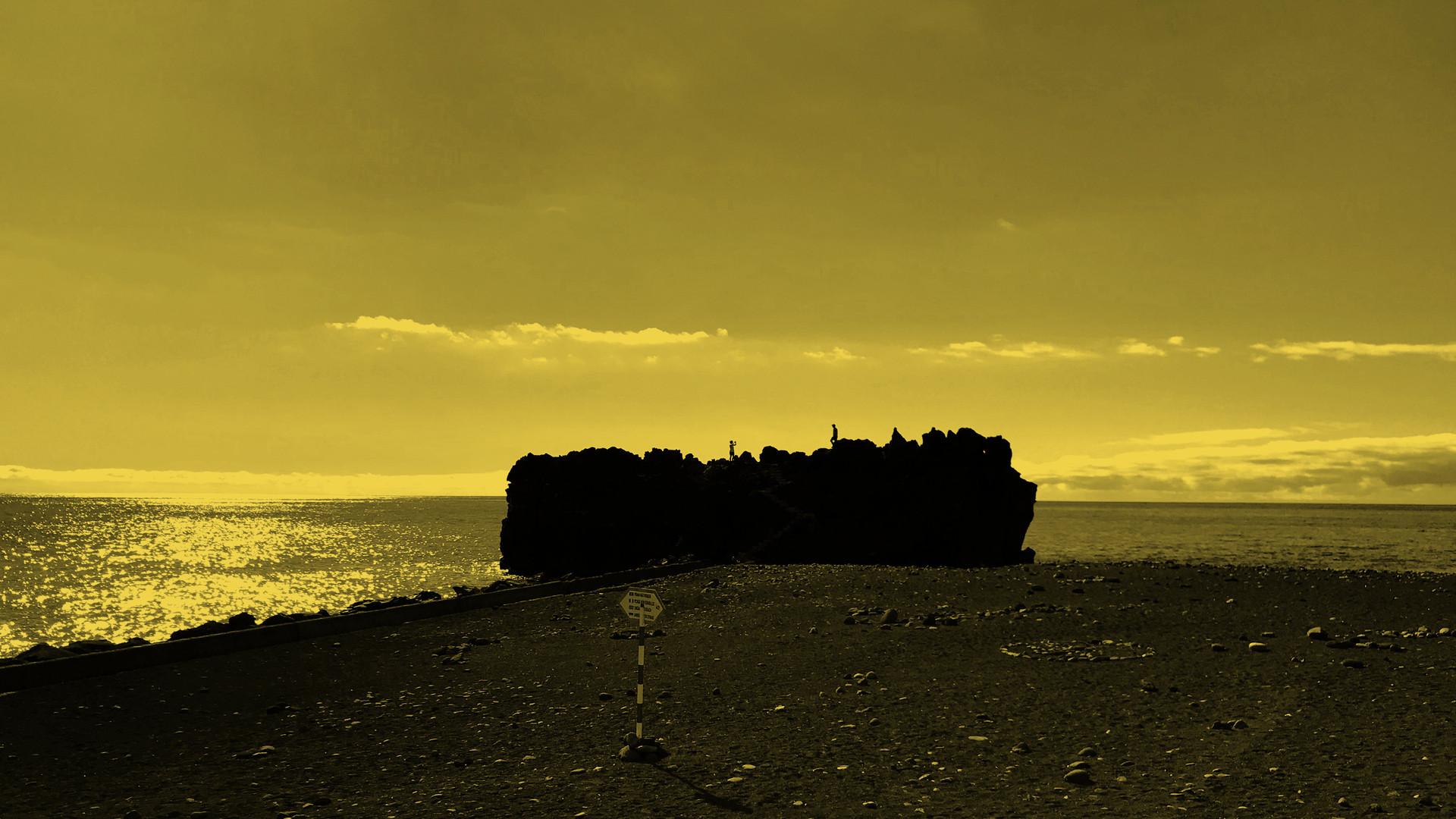 Praia Formosa by Mark Blezard