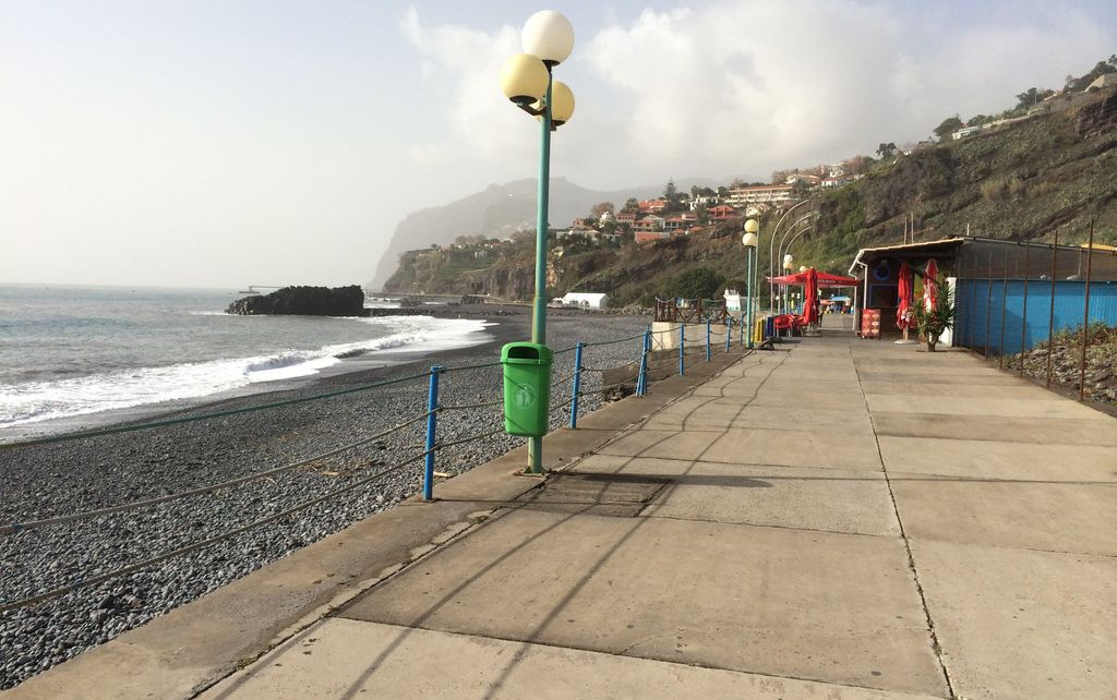 Praia Formosa beach