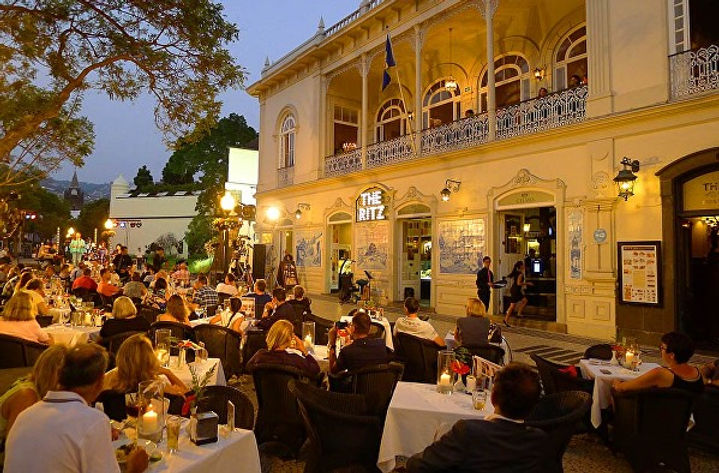 The Ritz in Madeira, a great cafe and restaurant