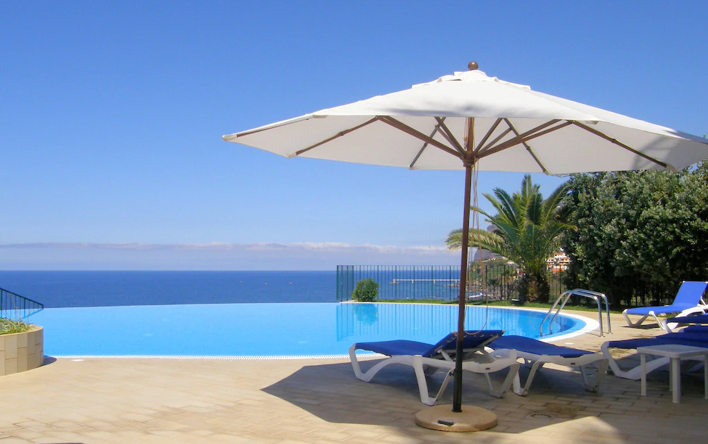 The wonderful pool at Vila Formosa