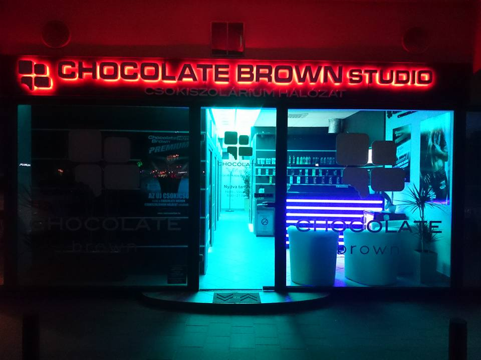 Chocolate Brown Studio, Békéscsaba